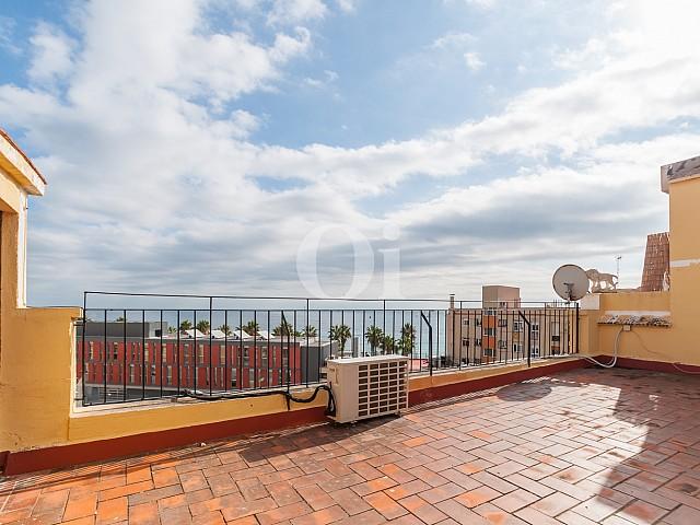 Вид на море с террасы квартиры на продажу на Барселонете