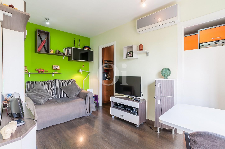 Просторная гостиная квартиры на продажу на Барселонете