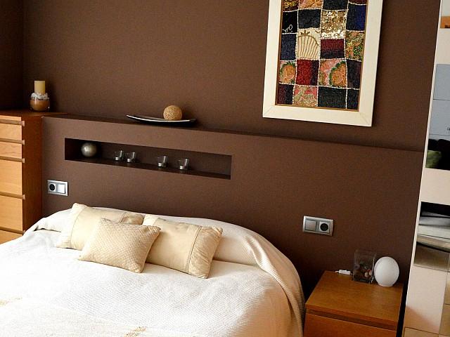 Дизайнерская кровать квартиры в аренду в Fort Pienc