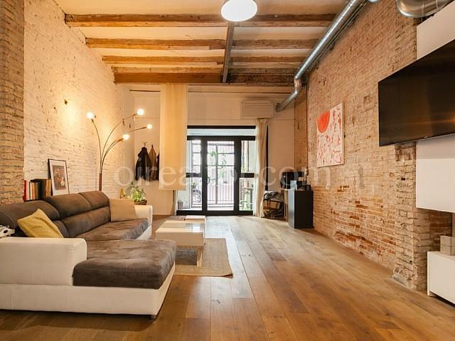آپارتمان مرمت شده در Vila de Gràcia