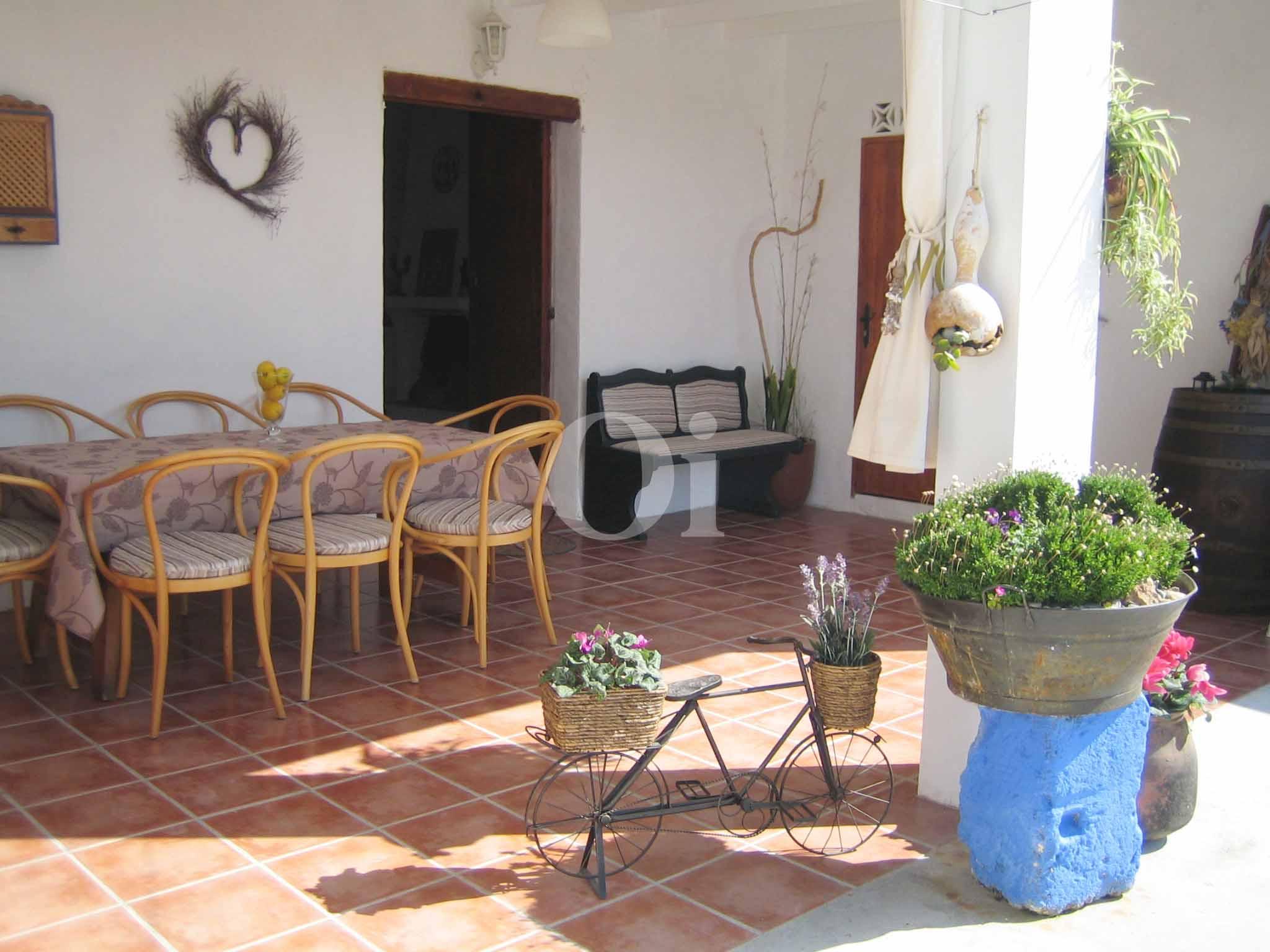 Veranda eines schönen Haus zur Miete in Ses Salines, Ibiza