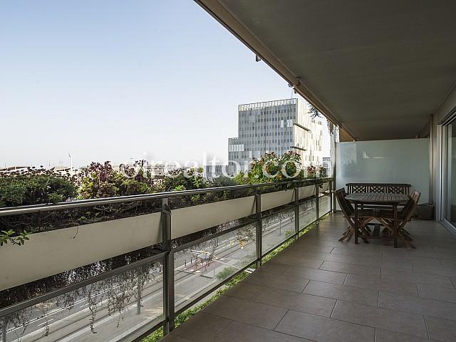 شقة برخصة سياحية للبيع في دياجونال مار برشلونة