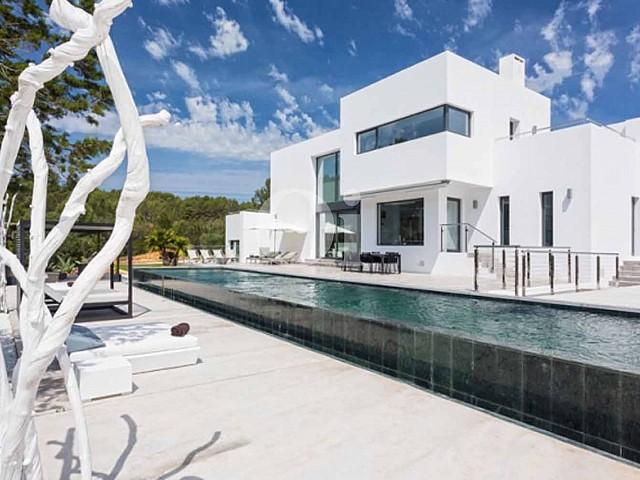 Luxuriöse zeitgenössische Villa in Santa Gertrudis, Ibiza