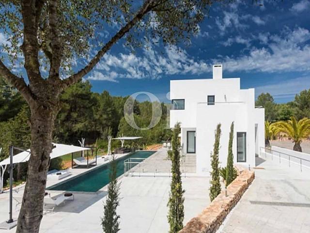 Vistas de lujosa villa en venta en Santa Gertrudis, Ibiza