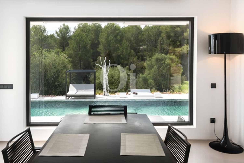 Vistes a la piscina d'una Vila luxosa en venda a Santa Gertrudis, Eivissa