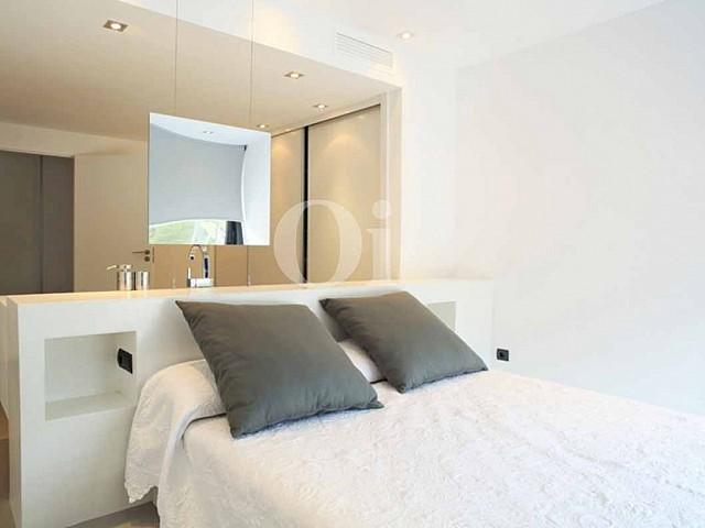 Dormitorio de lujosa villa en venta en Santa Gertrudis, Ibiza