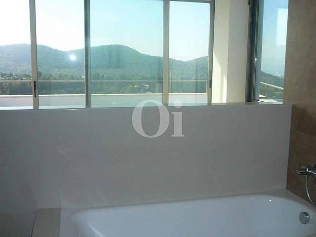 Badezimmer einer Villa zum Verkauf in Can Furnet, Ibiza