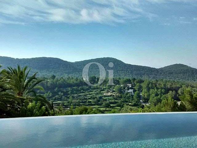 Eindrucksvolle Villa mit Anblicken auf das Meer in Can Furnet, Ibiza