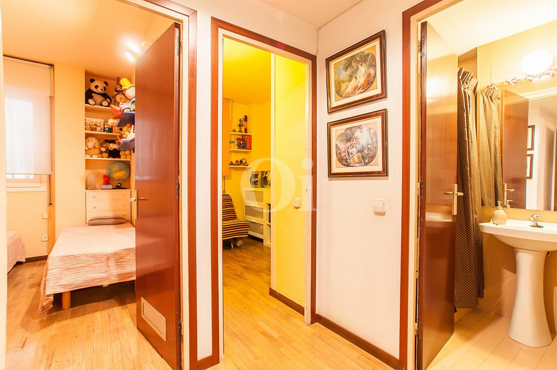 Flur mit Zimmern und Badezimmer