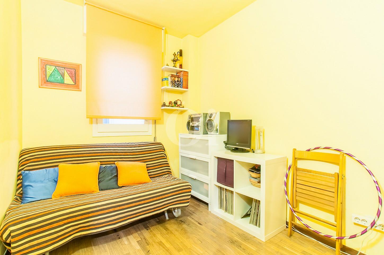 Dormitori d'un pis en venda a l'Eixample Dreta de Barcelona