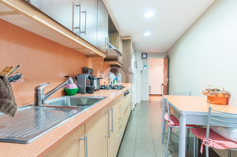 Cuina d'un pis en venda a l'Eixample Dreta de Barcelona