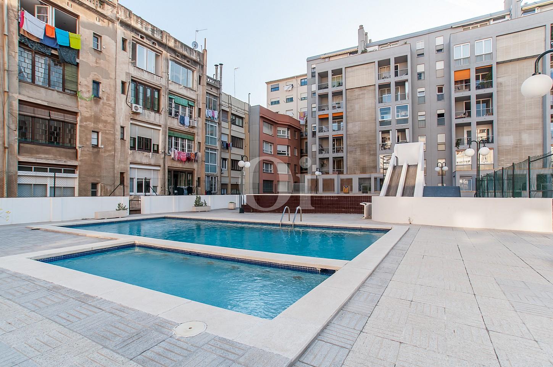 Piscina comunitària d'un pis en venda a l'Eixample Dreta de Barcelona