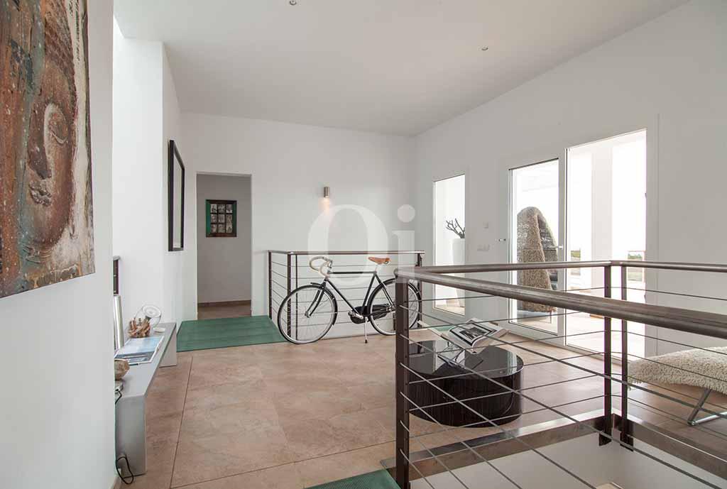 Pis superior  d'una vila amb piscina en lloguer a Cala Jundal, Eivissa