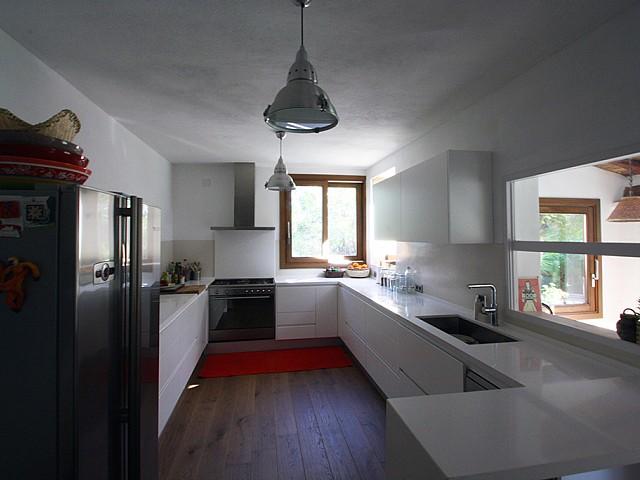 Cocina de preciosa villa en alquiler en San Agustin, Ibiza