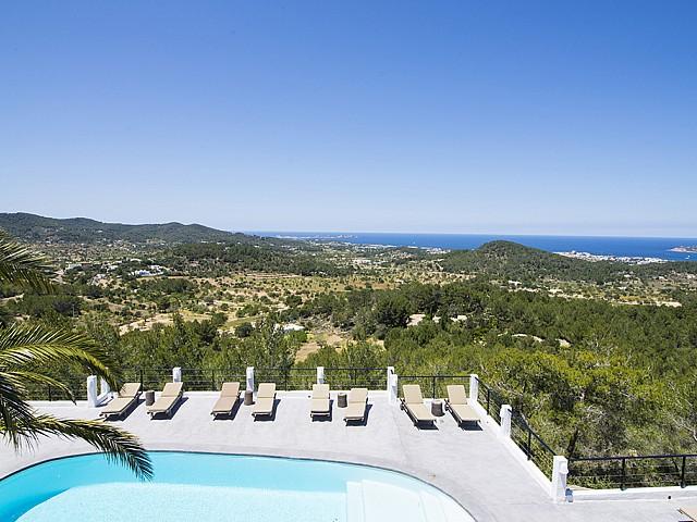 Vistas de preciosa villa en alquiler en San Agustin, Ibiza