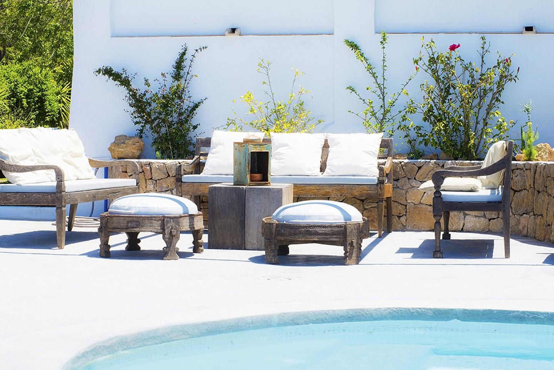 Comedor de verano de preciosa villa en alquiler en San Agustin, Ibiza