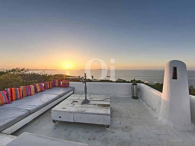 Extraordinària vila en venda d'estil eivissenc a Punta Galera, Eivissa