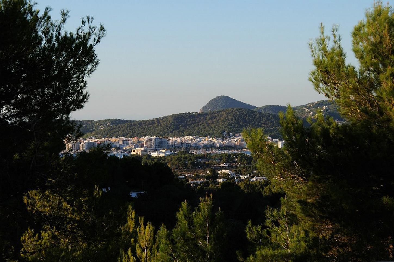 Vistes d'una vila en venda a Eivissa