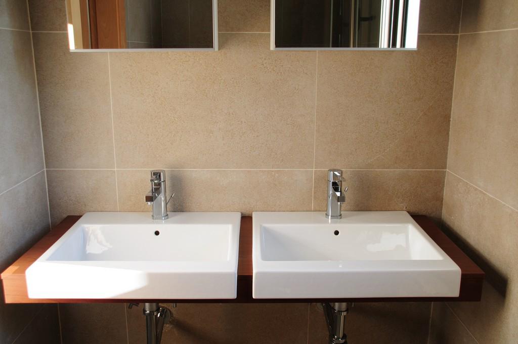 Bany amb doble lavabo d'una vila en venda a Eivissa