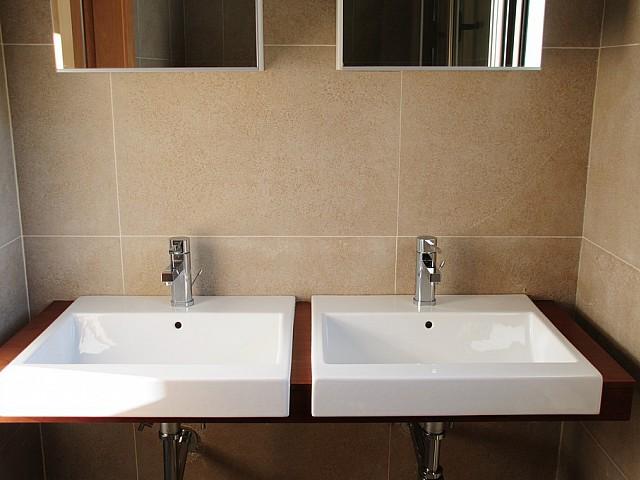 Шикарная ванная комната виллы в аренду на Ибице