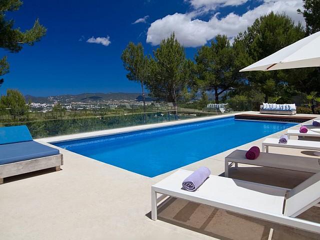 Vermietung einer exklusiven Villa mit unschlagberen Aussichten, Ibiza