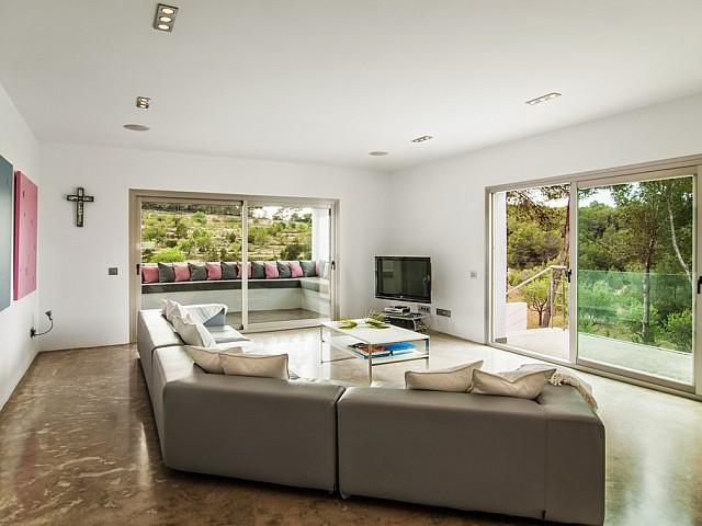 Sala de estar de exclusiva villa con fantasticas vistas en alquiler, Ibiza