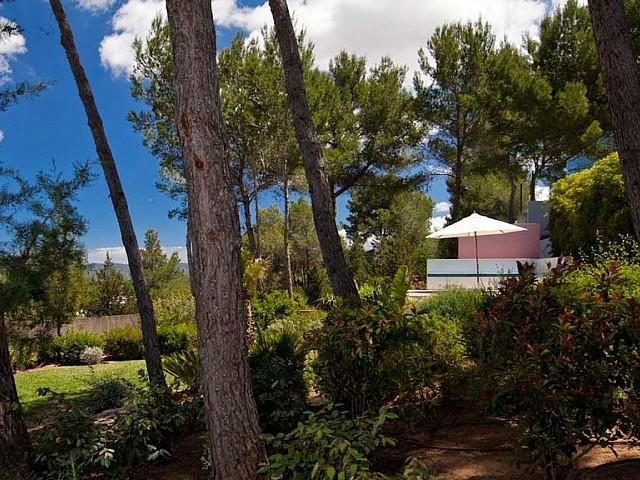 Jardí d'una vila en venda a Eivissa