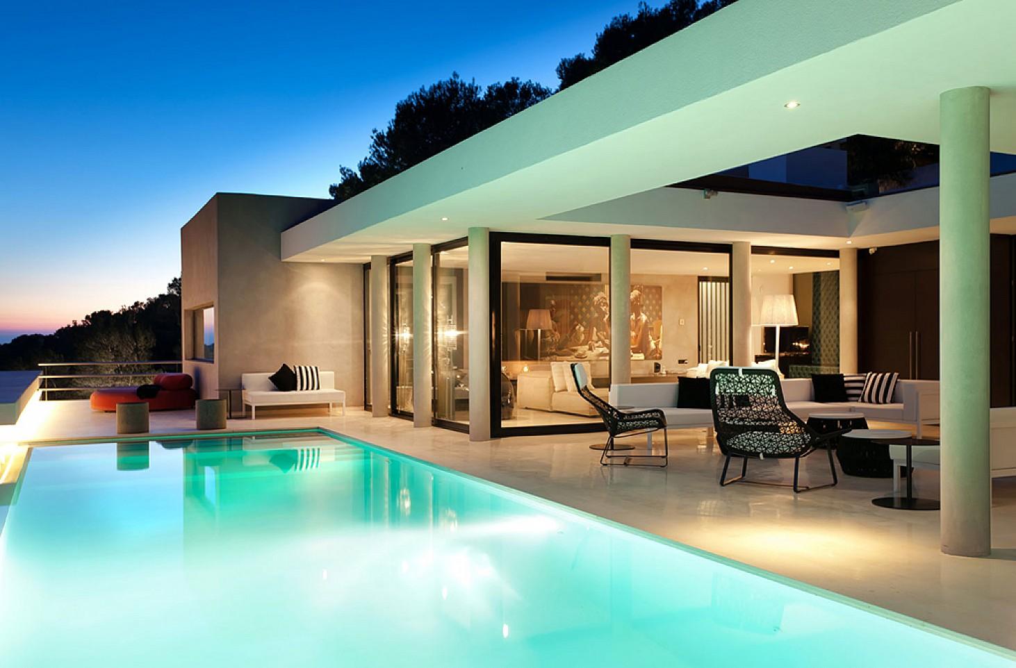 Piscina de lujosa villa con maravillosas vistas en alquiler en Ibiza