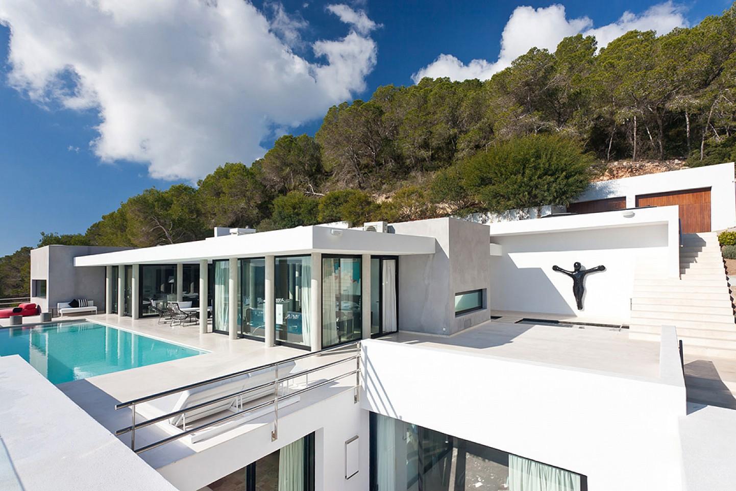 Exteriors amb piscina