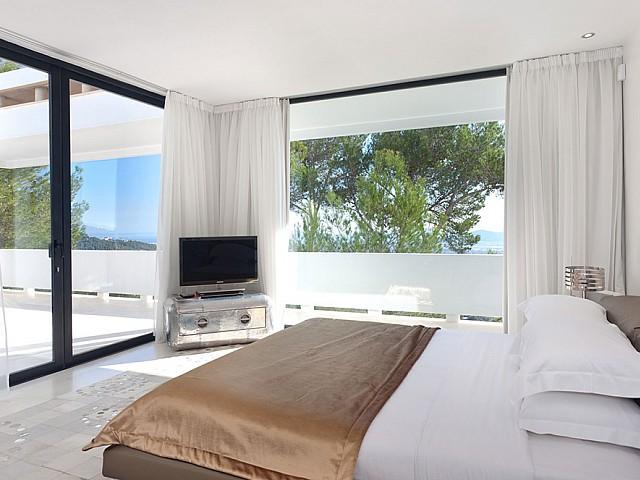 Schlafzimmer mit Balkon/Terrasse