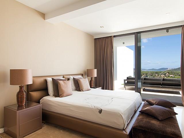 Роскошная спальня дома в аренду в Ибице