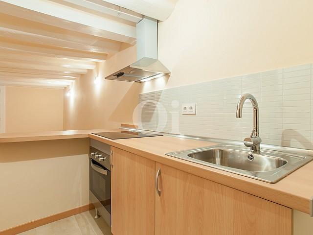 Просторная гостиная квартиры на продажу в Равале