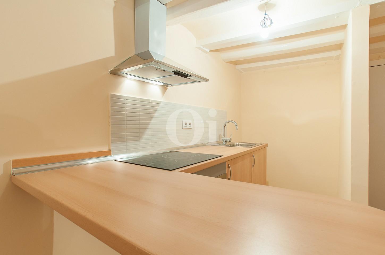 Встроенная кухня квартиры на  продажу в Равале