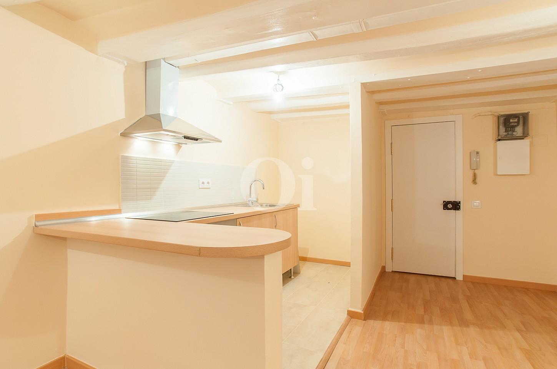 Entrada al pis i cuina