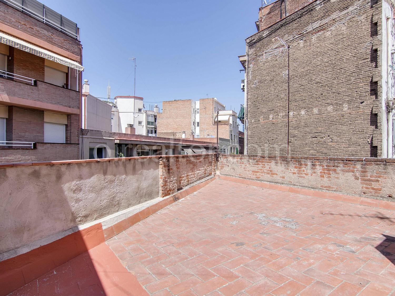 Продается пентхаус в Сантс, Барселона.