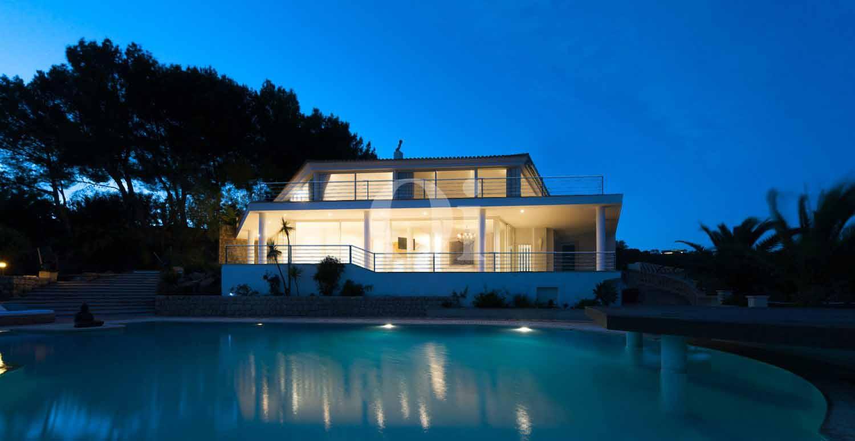 Vistas de exclusiva villa en venta en Ibiza