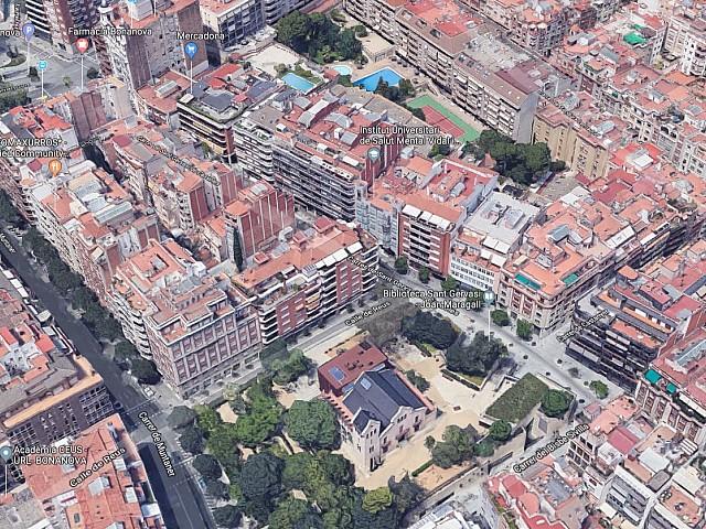 Edificio en venta en Sant Gervasi, Barcelona.