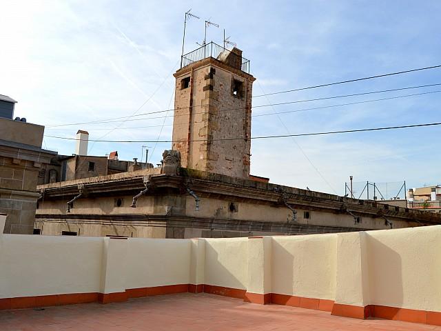 Terraza de atico reformado con vistas al mar en venta en el Gótico, Barcelona