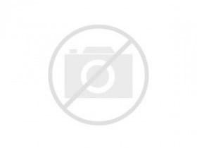 Vistas interiores de edificio modernista en alquiler en Girona