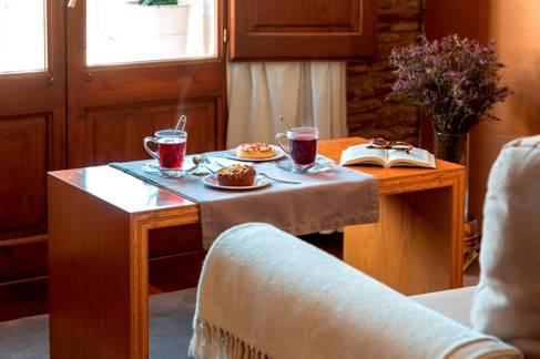 Salón-comedor de precioso apartamento en alquiler en Barcelona