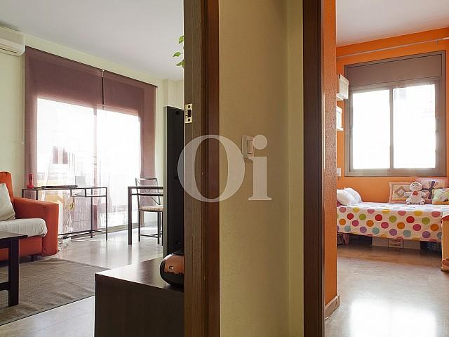 Living room in flat for sale in Poblenou, Barcelona