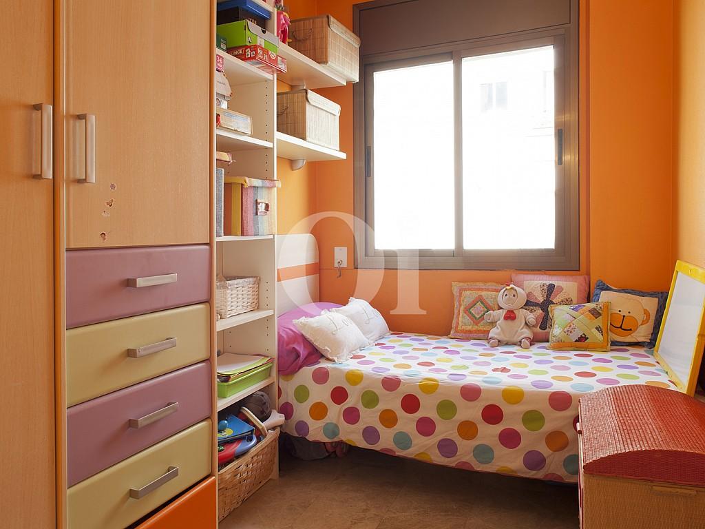 Habitación individual de piso en venta en Poblenou, Barcelona