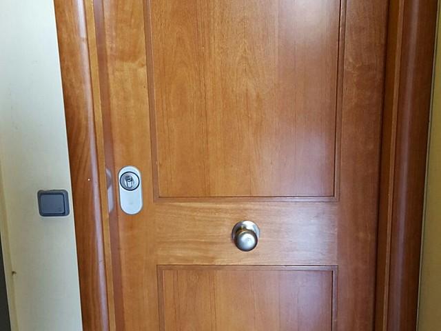 Дверь в здании на продажу в Готическом квартале