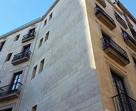 Edifici rehabilitat a la Ciutat Vella, Barcelona