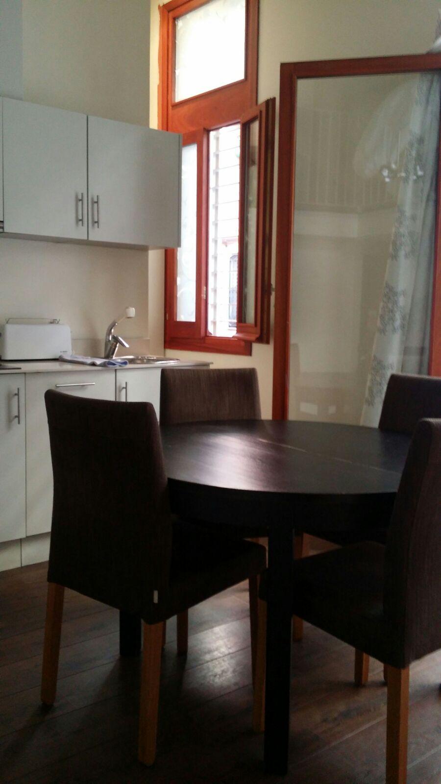 Cocina de apartamentos turísticos en venta en la Barceloneta