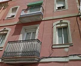 Продается здание с туристическими апартаментами в районе Барселонета, высокий годовой доход