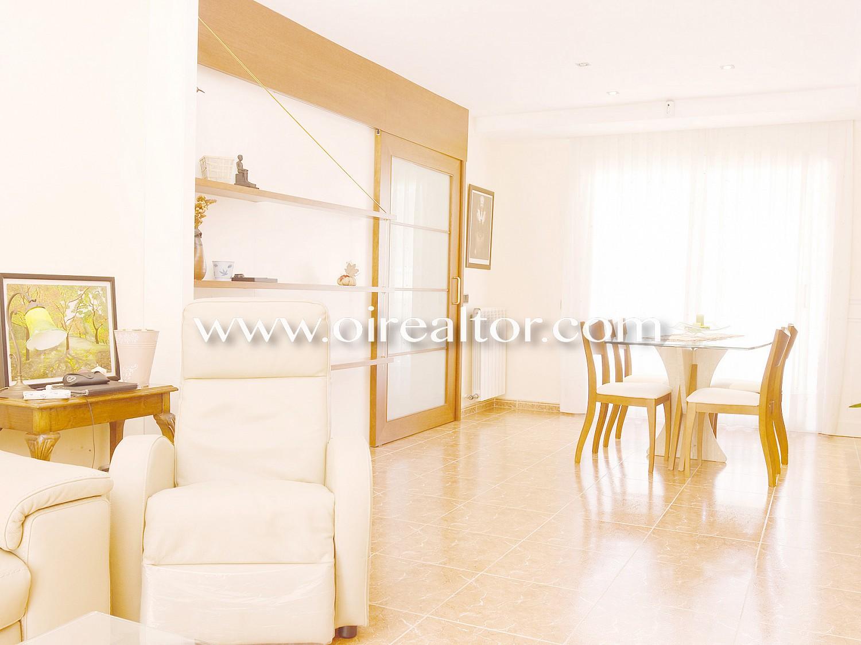 Смежный дом на продажу в центре Алелья 220 м2
