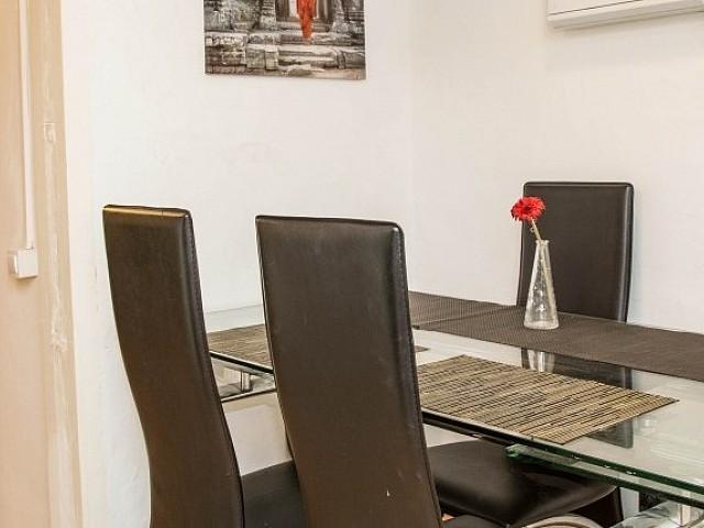 Salón-comedor de apartamento en alquiler en Raval