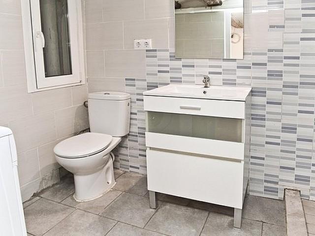 Baño de apartamento en alquiler en Raval