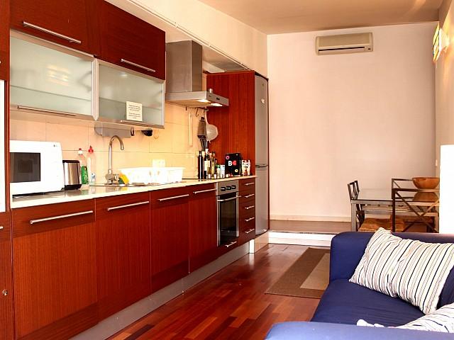 Cocina de precioso apartamento en alquiler en Barcelona